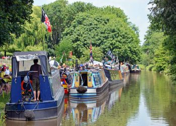 Floating Market Canal Narrowboats Middlewich Fab Festival