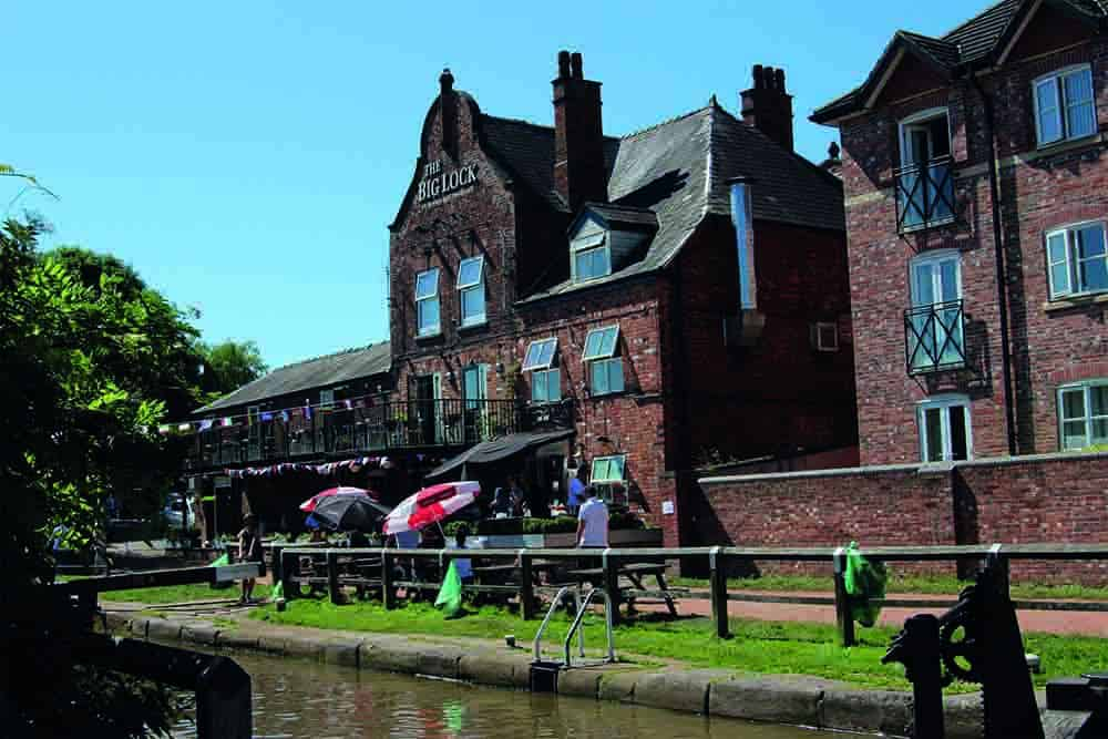 The Big Lock Canal Middlewich Pub Fab Festival
