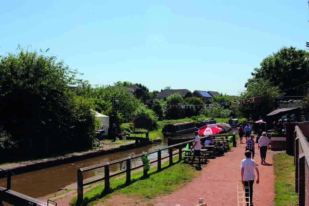 The Big Lock Canal Pub Middlewich Fab Festival
